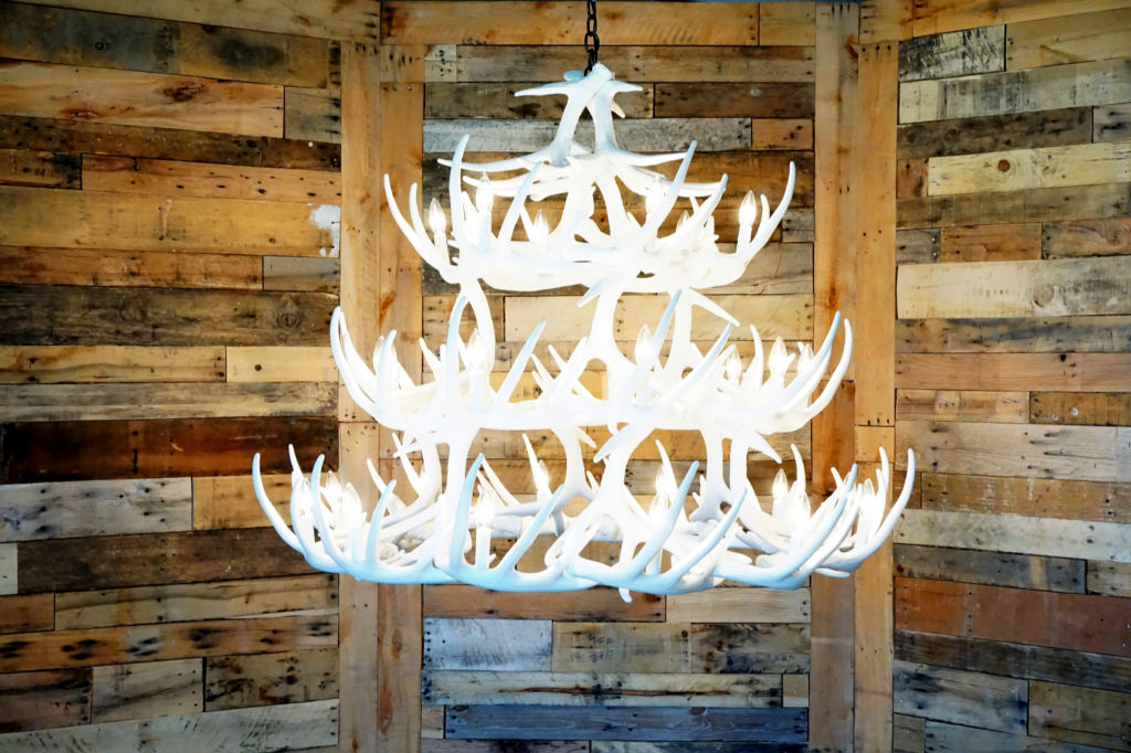 Pure white antler lights pure white whitetail 42 cast antler pure white whitetail 42 cast antler chandelier mozeypictures Images