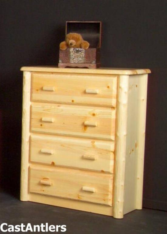Traditional 4 Drawer Chest